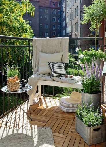 Get-the-Look-–-Swedish-balcony-Gardenique
