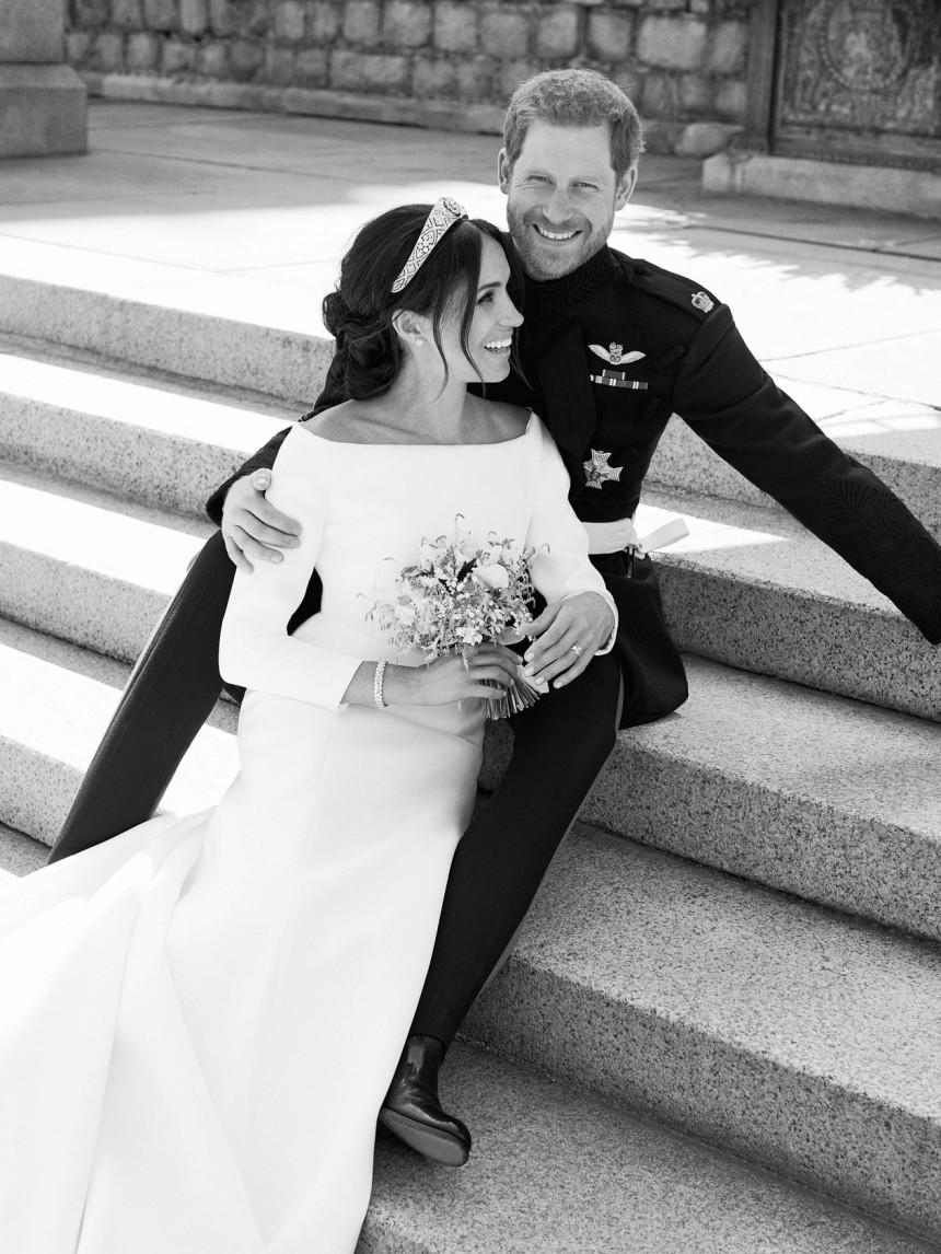 O príncipe Harry e Meghan Markle, em foto oficial do casamento real (Foto- Alexi Lubomirski:Palácio de Kensington via Reuters)